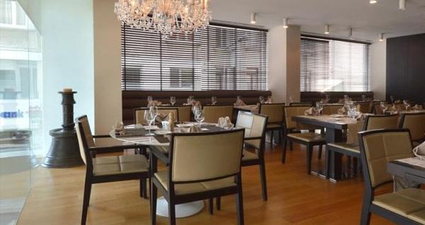 Bentley by Molton Hotels'de kahvaltı dahil çift kişilik 1 gece konaklama 349 TL yerine 299 TL! Fırsatın geçerlilik tarihi için, DETAYLAR bölümünü inceleyiniz.