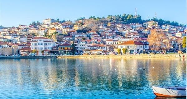 Ekstra Bedelsiz! 7 gün 6 gece konaklamalı 'Vizesiz Uzun Balkan Turu' ulaşım dahil kişi başı 3.284 TL'den başlayan fiyatlarla! Fırsatın geçerlilik tarihi için DETAYLAR bölümünü inceleyiniz.