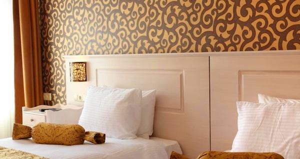 Pera Orient Suites'de çift kişilik 1 gece konaklama seçenekleri 160 TL'den başlayan fiyatlarla! Fırsatın geçerlilik tarihi için, DETAYLAR bölümünü inceleyiniz.