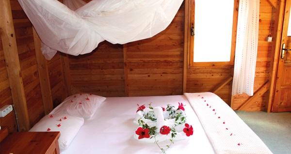 Kabak Vadisi Fullmoon Camping'de çift kişilik 1 gece YARIM PANSİYON konaklama 399 TL! Fırsatın geçerlilik tarihi için, DETAYLAR bölümünü inceleyiniz.