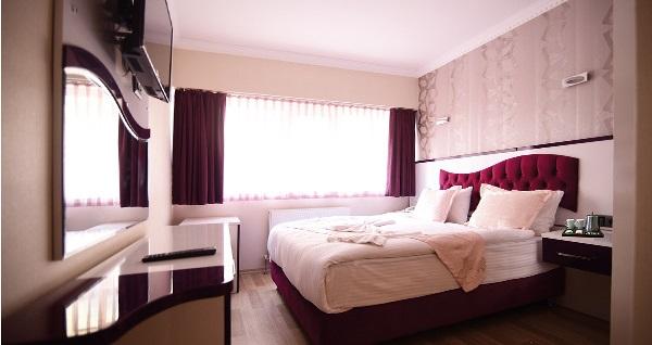 Özdemir Hotels'de kahvaltı dahil çift kişilik 1 gece konaklama