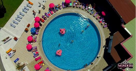 Beştepe Wonders Pool'da tüm gün boyunca hafta içi havuz girişi kişi başı 55 TL yerine 45 TL! Fırsatın geçerlilik tarihi için DETAYLAR bölümünü inceleyiniz.