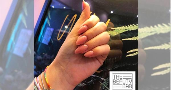 The Beauty Bar'da kirpik lifting ve kirpik lashbotoks uygulamaları 320 TL yerine 139 TL! Fırsatın geçerlilik tarihi için DETAYLAR bölümünü inceleyiniz.