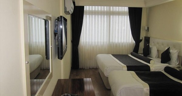 Alican 1 Hotel İzmir'de kahvaltı dahil çift kişilik 1 gece konaklama 139 TL! Fırsatın geçerlilik tarihi için, DETAYLAR bölümünü inceleyiniz.