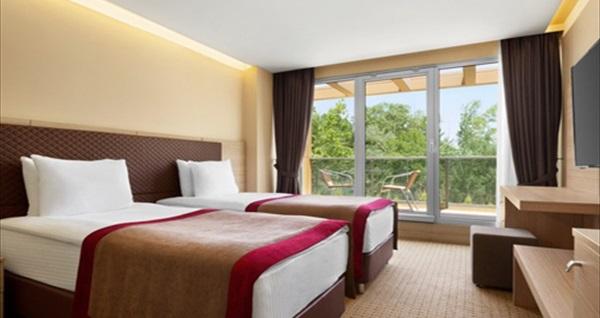 Ramada by Wyndham Şile Hotel'de kahvaltı dahil tek veya çift kişilik 1 gece konaklama keyfi 499 TL! Fırsatın geçerlilik tarihi için DETAYLAR bölümünü inceleyiniz.