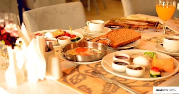 Beklentilerinizi yükselten Eskişehir Senna City Hotel'de kahvaltı dahil çift kişilik 1 gece konaklama 229 TL! Fırsatın geçerlilik tarihi için DETAYLAR bölümünü inceleyiniz.