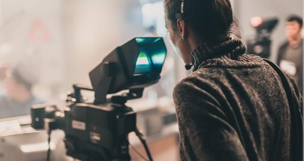 Oyunculuk Akademisi'nde kamera önü oyunculuk atölyesi 250 TL yerine 119 TL! Fırsatın geçerlilik tarihi için DETAYLAR bölümünü inceleyiniz.