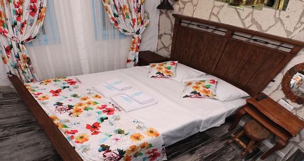 Alaçatı Ala Konak Butik Otel'de çift kişilik 1 gece konaklama 239 TL! Fırsatın geçerlilik tarihi için, DETAYLAR bölümünü inceleyiniz.