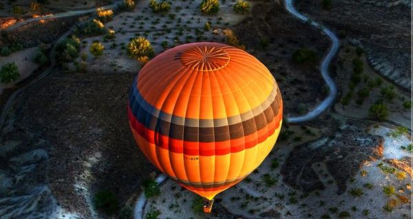 1 saatlik muhteşem Kapadokya Balon Turu'nu 599 TL'ye almanızı sağlayan indirim çeki 49 TL! Fırsatın geçerlilik tarihi için DETAYLAR bölümünü inceleyiniz.
