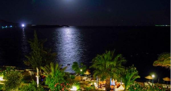 ULTRA HER ŞEY DAHİL Chronos Beach Hotel Akyarlar'da çift kişilik odalarda kişi başı 3 gece konaklama 571 TL'den başlayan fiyatlarla! Fırsatın geçerlilik tarihi için DETAYLAR bölümünü inceleyiniz.