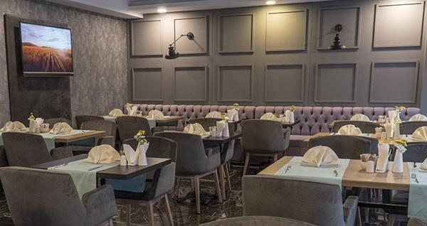 Konak Greymark Hotel'de açık büfe kahvaltı dahil tek veya çift kişilik 1 gece konaklama 219 TL! Fırsatın geçerlilik tarihi için DETAYLAR bölümünü inceleyiniz.