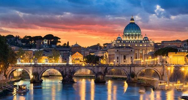 Sömestre döneminde de geçerli 3 ve 4 yıldızlı otellerde 7 gece konaklamalı 'Neo Klasik İtalya Turu' kişi başı 2.500 TL'den başlayan fiyatlarla! Detaylı bilgi ve size en uygun fiyatların sunulması için hemen 0850 532 52 81 numaralı telefonu arayın!