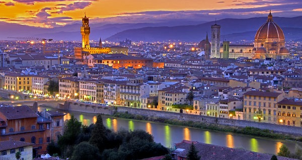 3 ve 4 yıldızlı otellerde 7 gece konaklamalı 'Neo Klasik İtalya Turu' kişi başı 2.500 TL'den başlayan fiyatlarla! Detaylı bilgi ve size en uygun fiyatların sunulması için hemen 0850 532 52 81 numaralı telefonu arayın!