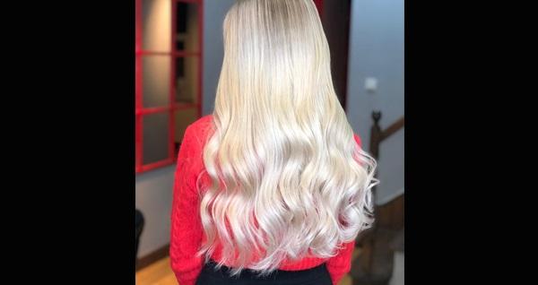 Cihangir The Retro Hair & MakeUp Studio ile saçlarınıza özel profesyonel dokunuşlar! Fırsatın geçerlilik tarihi için DETAYLAR bölümünü inceleyiniz.