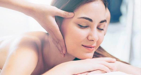 Lotus Spa'dan kadın ve erkekler için geçerli medikal masaj+ıslak alan kullanımı 200 TL yerine 99 TL! Fırsatın geçerlilik tarihi için DETAYLAR bölümünü inceleyiniz.
