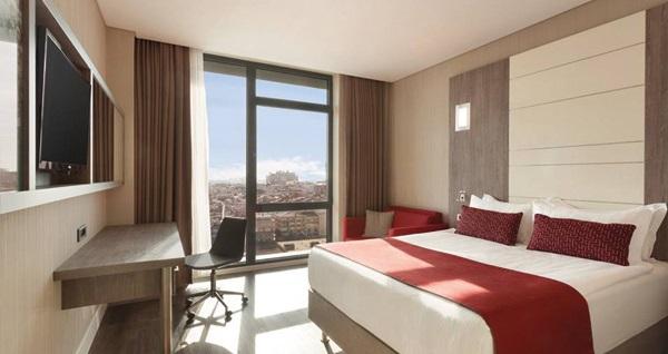 Ramada Encore İstanbul Bayrampaşa'da çift kişilik 1 gece konaklama 340 TL yerine 299 TL! Fırsatın geçerlilik tarihi için DETAYLAR bölümünü inceleyiniz.