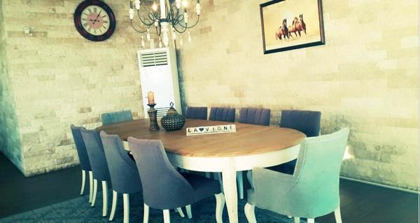 Güzelbahçe La Vigne Cafe'de 1 adet yerli içecek, çerez ve atıştırmalık tabağı 18,90 TL! Fırsatın geçerlilik tarihi için DETAYLAR bölümünü inceleyiniz.