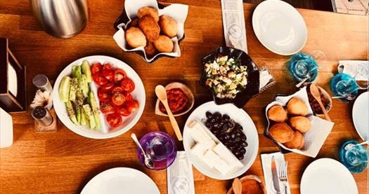 Söğütözü Polikek Bahçe'de pişi sever kahvaltı menüsü 39 TL! Fırsatın geçerlilik tarihi için DETAYLAR bölümünü inceleyiniz.