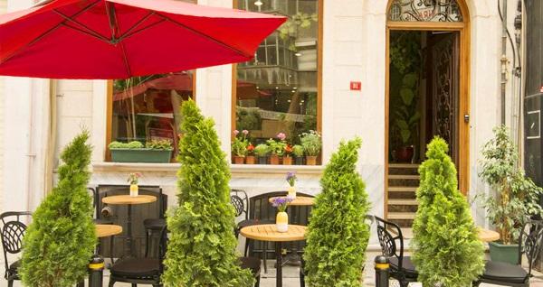 Şişli Cumbalı Luxury Boutique Hotel'de kahvaltı dahil çift kişilik 1 gece konaklama 260 TL yerine 210 TL! Fırsatın geçerlilik tarihi için DETAYLAR bölümünü inceleyiniz.