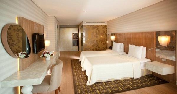 İbis Adana Hotel'de çift kişilik 1 gece konaklama seçenekleri 177 TL'den başlayan fiyatlarla! Fırsatın geçerlilik tarihi için, DETAYLAR bölümünü inceleyiniz.