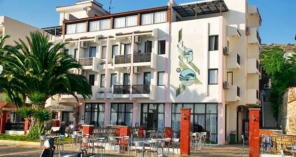 Ege'ye nazır eşsiz manzarasıyla Çeşme Kerman Hotel'de kahvaltı dahil çift kişilik 1 gece konaklama 129 TL! Fırsatın geçerlilik tarihi için, DETAYLAR bölümünü inceleyiniz.