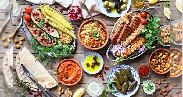 Madalyalı Restaurant'ta enfes lezzetlerden oluşan yemek menüsü kişi başı 39 TL! Fırsatın geçerlilik tarihi için DETAYLAR bölümünü inceleyiniz.