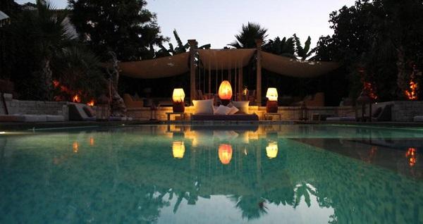 Alaçatı La Capria Suite Hotel'de tek kişilik havuz girişi 49,90 TL! Fırsatın geçerlilik tarihi için DETAYLAR bölümünü inceleyiniz.