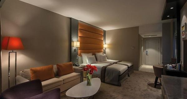 Elexus Hotel'de TARKAN YILBAŞI GALASI ile 3 gece tam pansiyon plus konaklama ve gidiş dönüş uçak bileti kişi başı 6.699 TL'den başlayan fiyatlarla! Fırsatın geçerlilik tarihi için DETAYLAR bölümünü inceleyiniz.