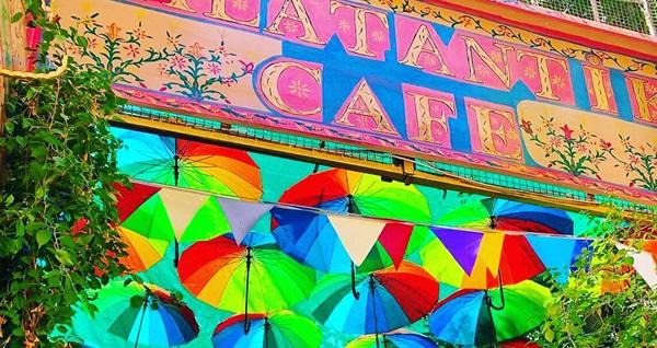 Balat Antik Cafe'nin büyülü atmosferinde Balat Antik Kahvaltı kişi başı 37,50 TL! Fırsatın geçerlilik tarihi için DETAYLAR bölümünü inceleyiniz.