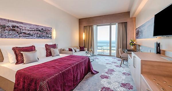 Concorde Luxury Resort'ta YILDIZ TİLBE Galası ile 2 gece Ultra Her Şey Dahil konaklama ve gidiş-dönüş uçak bileti kişi başı 1.789 TL'den başlayan fiyatlarla! Detaylı bilgi ve size en uygun fiyatların sunulması için hemen 0850 532 50 76 numaralı telefonu arayın!