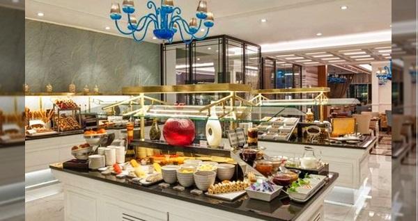 Kaya İstanbul Fair & Convention Hotel Turkuaz Restaurant'ta Babalar Günü'ne özel açık büfe kahvaltı 59 TL! Bu fırsat 16 Haziran 2019 Babalar Günü için geçerlidir.
