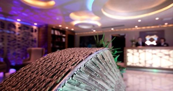 Gayrettepe Taba Luxury Hotel Spa Welness'da jakuzili suit odada konaklama ve çiftlere özel 50 dk vip masaj 2.500 TL yerine 1.299 TL! Fırsatın geçerlilik tarihi için DETAYLAR bölümünü inceleyiniz.