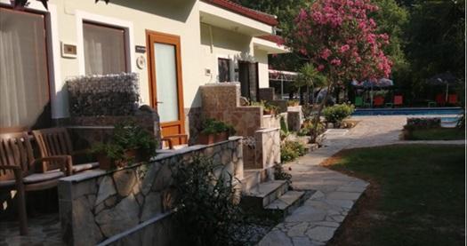 Türkiye'nin saklı cenneti Dalyan Sirius Hotel'de kahvaltı dahil çift kişilik 1 gece konaklama 299 TL! Fırsatın geçerlilik tarihi için DETAYLAR bölümünü inceleyiniz.