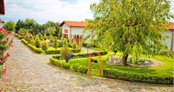 Silivri Erkanlı Tatil Köyü'nde serpme köy kahvaltısı, kapalı havuz, jakuzi, sauna ve at binme 190 TL yerine 94,90 TL! Fırsatın geçerlilik tarihi için DETAYLAR bölümünü inceleyiniz.
