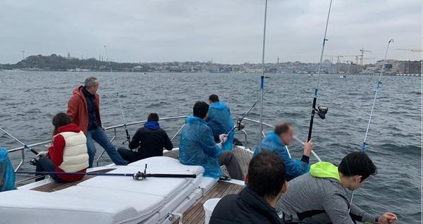 Ervam Yatçılık'tan ''sabah istavrit, akşam çinekop'' balık tutma turu kişi başı 70 TL! Fırsatın geçerlilik tarihi için DETAYLAR bölümünü inceleyiniz.